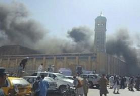 انفجار انتحاری در فرودگاه کابل همزمان با بازگشت ژنرال دوستم پس از یکسال تبعید: ۷۶ کشته و مجروح