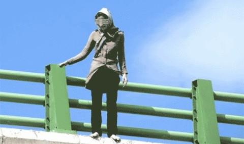 باز هم خودکشی یک خانم جوان این بار از پل عابر پیاده