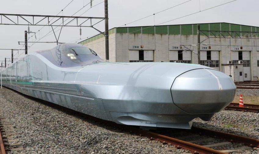 رونمایی ژاپن از سریعترین قطار سریعالسیر جهان با سرعت ۴۰۰ کیلومتر در ساعت