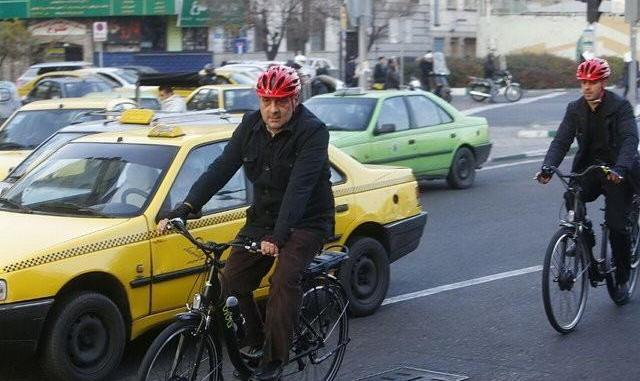 شهردار تهران: عذرخواهی میکنم که نتوانستم شهر را به طور کامل از چنگال رانت خواران رها کنم