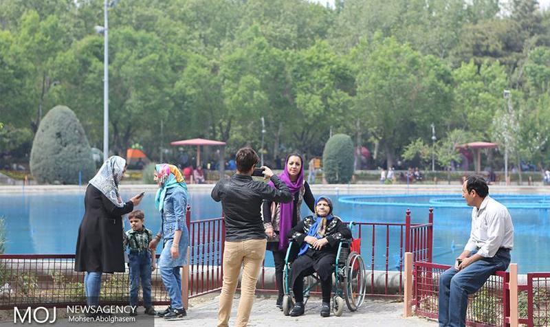 پارک لاله چرا تعطیل شد؟ خاموشی نیمی از چراغها در بوستانهای تهران