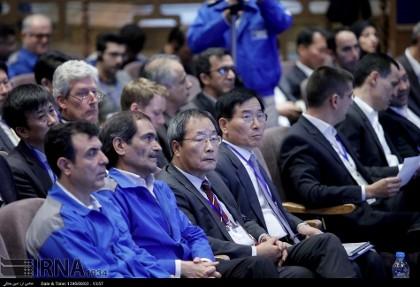 روحانی: نه خودروی اسلامی داریم و نه فیزیک و شیمی اسلامی! ماهیت علم، به ایدئولوژی و تحزب وابسته نیست