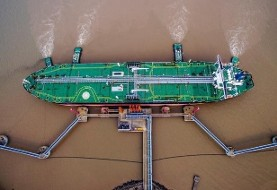 بازگشت ایران به استراتژی قدیمی در آستانه تحریمهای آمریکا: ذخیرهسازی نفت روی آب