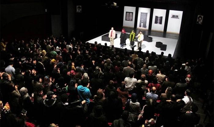 شب بررسی تئاتر ایرانی در فستیوال نور: سالن سنگلج
