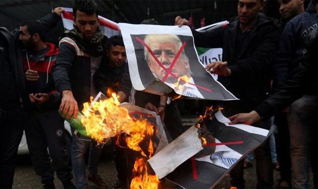 اعتراضات به تصمیم آمریکا در به رسمیت شناختن اورشلیم به عنوان پایتخت اسرائیل؛ از غزه تا لبنان و ترکیه و آلمان