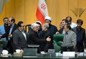 تصاویر متن و حاشیه روز شلوغ مجلس: مطهری فدای عارف شد، لاریجانی اینگونه برای دوازدهمین سال رئیس مجلس شد