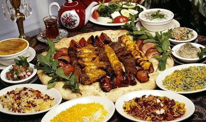 شب پذیرایی با شام ایرانی