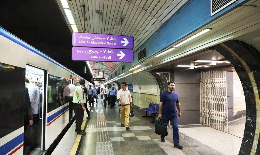 افزایش ۳ برابری مراجعات به مترو نسبت به نوروز و تعطیلی پایتخت: ابتلای ۳۰ نفر از پرسنل مترو به کرونا