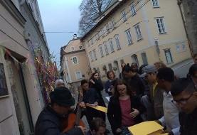 اجرای موسیقی محلی توسط گروه اوستا
