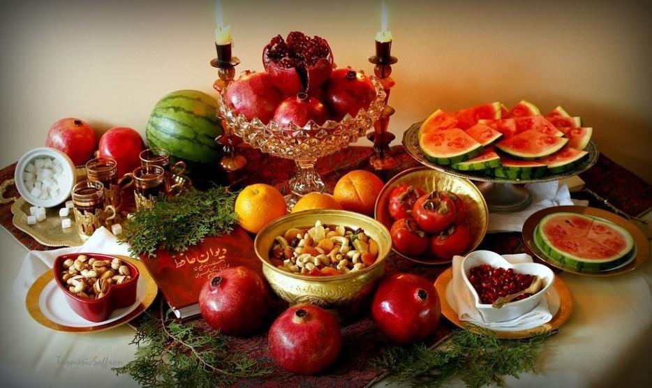 جشن بزرگ و شاد شب یلدا همراه موسیقی و بوفه شام