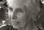 کیهان فریان، الگویی برای زنان ایرانی و فرشتهای برای نیازمندان برانکس نیویورک