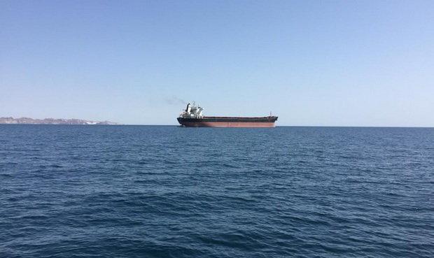 گم شدن نفت کش اماراتی در تنگه هرمز/ ایران: یک نفتکش خارجی پس از درخواست کمک به آبهای ایران هدایت شده است