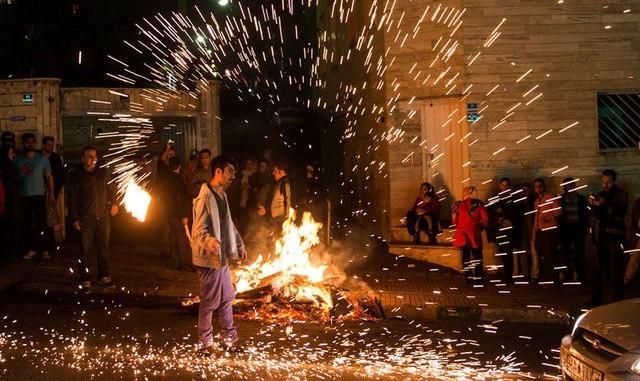 وقوع ۱۷۰ آتش سوزی و ۱۲ هزار تماس تلفنی با آتشنشانی تهران مرتبط با چهارشنبه سوری