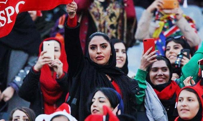 رئیس فیفا: زنان ایران باید از ماه آینده به ورزشگاه بروند