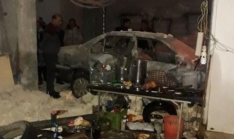 چگونه این راننده پراید در میاندوآب ۵۰۰ میلیون تومان خسارت زد: قصد داشت از یک کپسول گاز مایع به خودروی خود سوخت بزند! +عکس