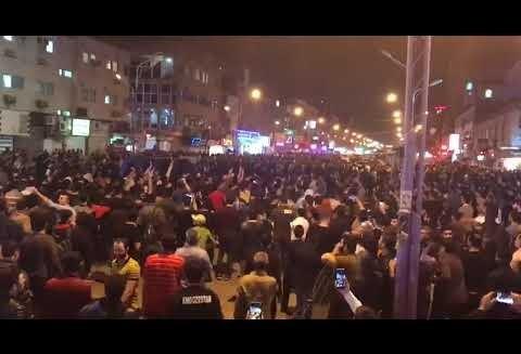 ویدئوهایی از تظاهرات و شعارهای جدید در شهرهای ایران
