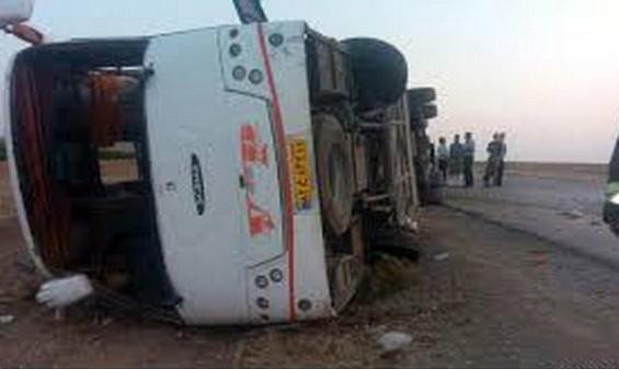 ۷ زائر عراقی در اثر واژگونی اتوبوس در مسیر مشهد - اصفهان جان باختند