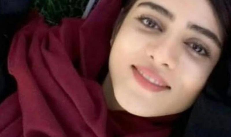 همه چیز درباره سحر خدایاری، از عکس واقعی تا دلیل بازداشت و اعتراض به حجاب اجباری
