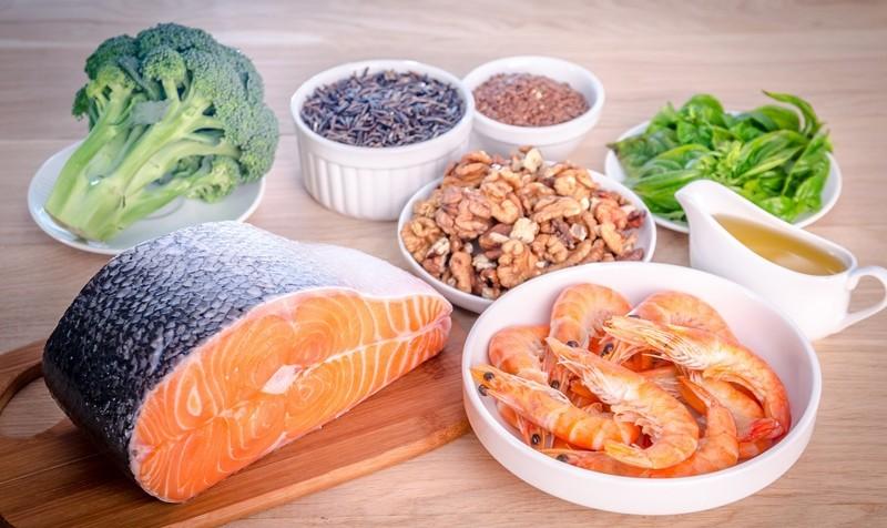 ویتامینهایی که بعد از ۴۰ سالگی لازم دارید/ آیا مصرف مکمل کلسیم در دوران بارداری ضروری است؟