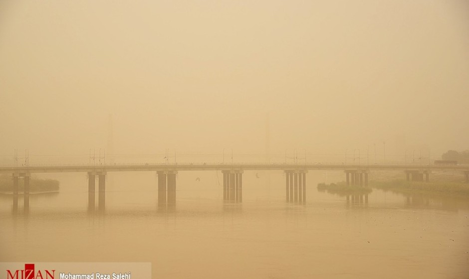 گرد و خاک در خوزستان ۶۹۴ نفر را راهی بیمارستان کرد
