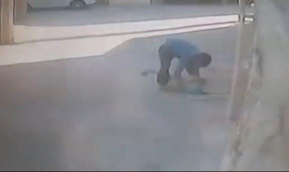 چرا پسرعموی چهارده ساله، دخترعموی پنج ساله اش را در چاه فاضلاب اصفهان انداخت؟ عکس