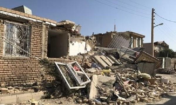 زلزله ۵.۹ ریشتری تازه آباد کرمانشاه: تعداد مصدومان به ۴۰ نفر رسید