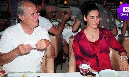دلار کم آمد یا اخراج شد یا برید؟ سرمربی ترکیه ای تراکتور هم  از ایران رفت