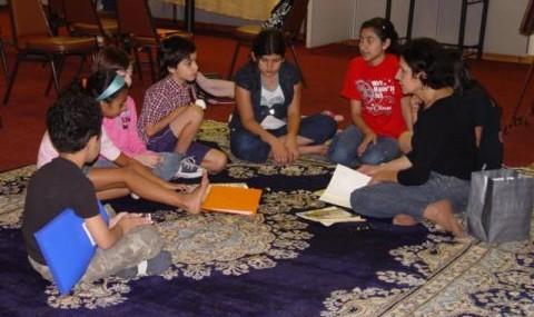 داستان و کتاب خوانی برای بچه های شش تا ده سال توسط خانم خورشید دیده بانی