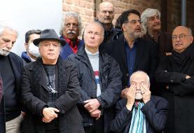 تصاویر چهرههای معروف در تشییع پیکر نصرتالله کریمی