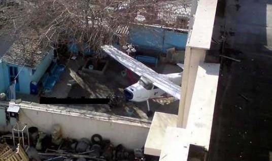 پارک هواپیمای ایرانایر در حیاط یک تهرانی! + عکس