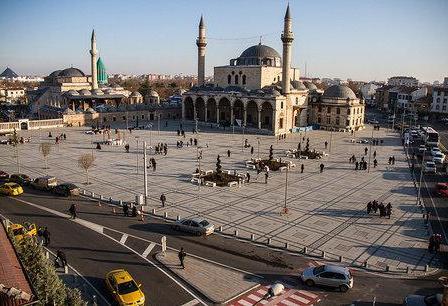 پلیس ترکیه از امانتداری یک زوج ایرانی در آرامگاه مولوی تشکر کرد