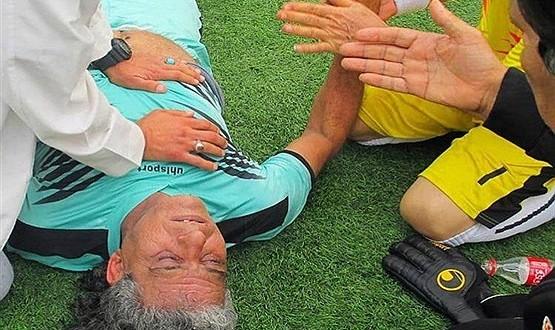 عکس درگذشت شاپور منصوری فوتبالیست سابق استقلال اهواز در میدان مسابقه