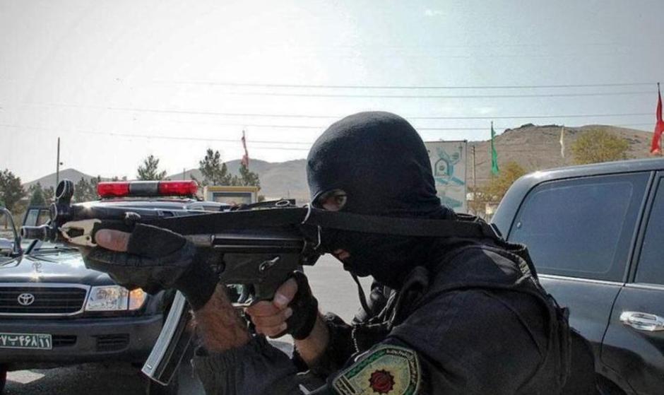 دستگیری اغتشاشگران مسلح ماهشهر که راه ورودی ۲۴ پتروشیمی و بزرگترین بندر تجاری کشور را هدف قرار دادند