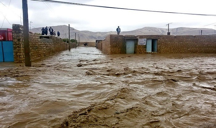 امدادرسانی به ۲۴۰ تن در سیل و آبگرفتگی کازرون در استان فارس