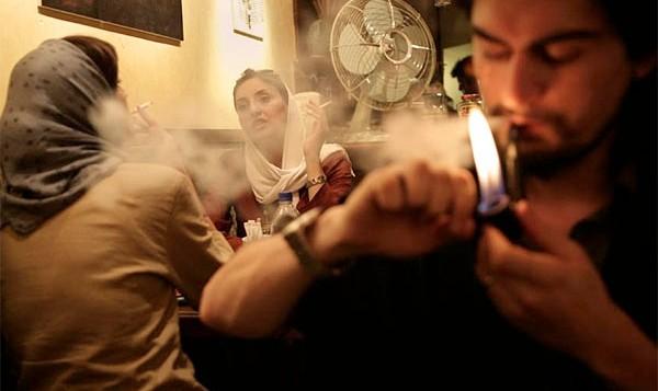 ضربه سهمگین بازار سیگار به اقتصاد ایران: ۵ هزار میلیارد تومان سود افراد سودجو، ۸۰هزار میلیارد تومان هزینه درمان روی دست کشور میگذارد!
