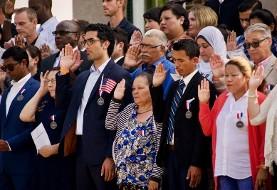 ترس از رای دادن مهاجرین؟ اداره مهاجرت تحت مدیریت ترامپ مدت زمان انتظار تابعیت آمریکا را از ۳ ماه به ۲ سال افزایش داده