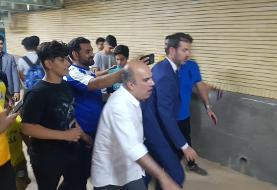 آبروریزی فرهنگی جلوی مربی ایتالیایی: اوج بی نظمی در مسجد سلیمان استراماچونی را فراری داد! عکس
