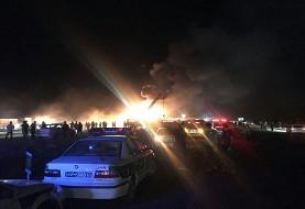 بعد از سنندج، این بار در جاده کاشان - نطنز: برخورد وحشتناک و انفجاری تانکر سوخت با اتوبوس مسافربری با ۴۲ کشته و مصدوم و مفقود