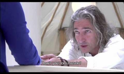 چگونه این مرد راز زندگی افراد را میداند؟ (ویدئو)