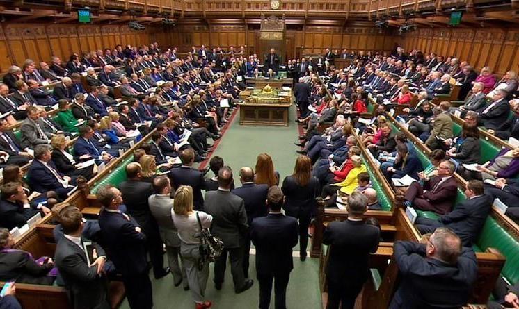 انگلیس در باتلاق دودلی هم خدا هم  خرما: نمایندگان پارلمان بریتانیا برای دومین بار با طرح برگزیت مخالفت کردند