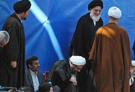 دو عکس جالب از هاشمی و احمدی نژاد در مراسم سالگرد آیت الله خمینی
