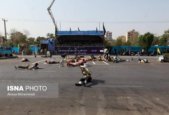 گزارش کامل فیلم و عکس جزئیات حمله امروز  به رژه نیروهای مسلح در ...