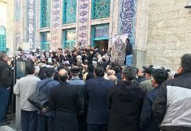 از برگزاری مراسم تشییع همسر مردی که پایه گذار عقیدتی انقلاب اسلامی بود  در حسینیه ارشاد جلوگیری شد!