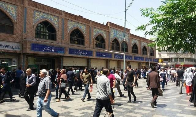 بخشی از بازار تهران تعطیل شد: راهپیمایی بازاریان در اعتراض به افزایش قیمت ارز