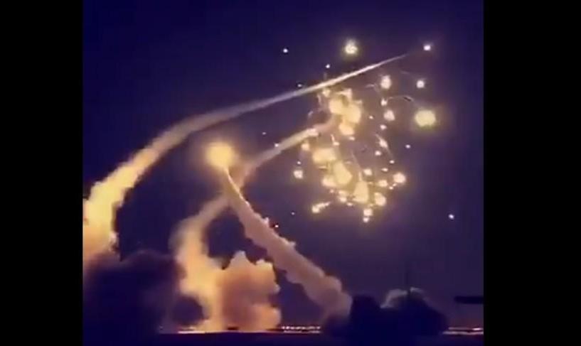 پروازها از ۲ فرودگاه سعودی متوقف شد/ عربستان: یک موشک بالستیک بر فراز ریاض رهگیری و منهدم شد