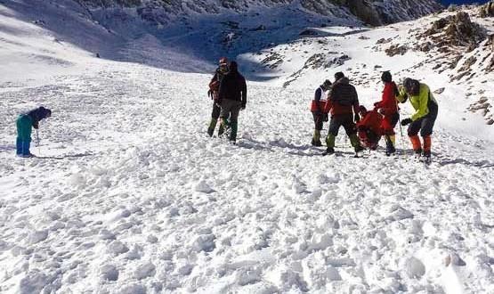 حادثه اشترانکوه با مرگ ۸ کوهنورد پایان یافت: چرا صعود کوهنوردان به کول جنو اشترانکوه دشوار است؟