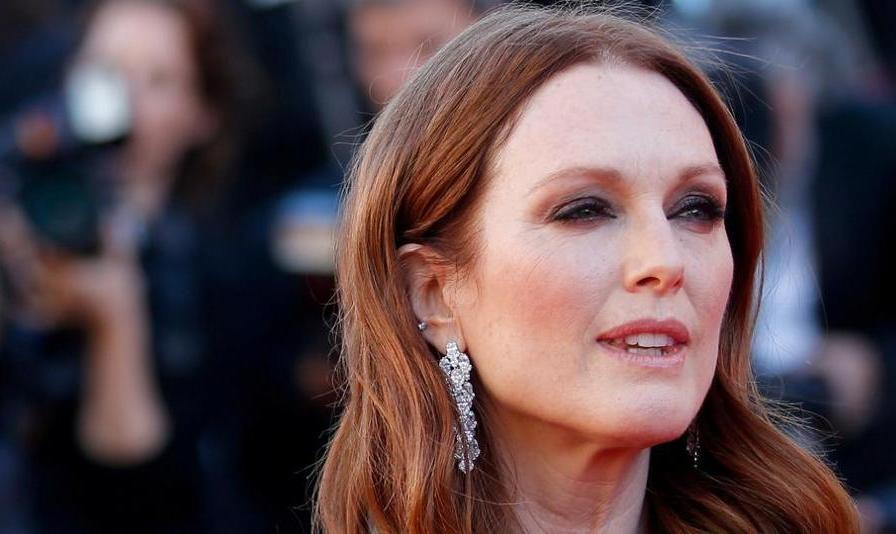 جشنواره کارلووی واری از جولین مور بازیگر آمریکایی تقدیر می کند