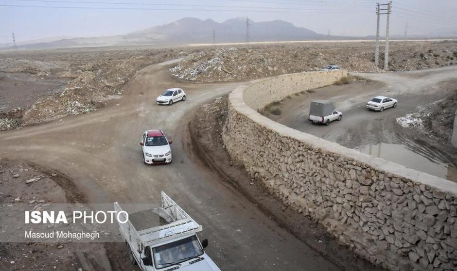 تهرانی ها هم کرونا را دور زدند هم جاده های ورودی را! عکس ورود غیرمجاز خودروها به داخل شهر از جاده خاکی