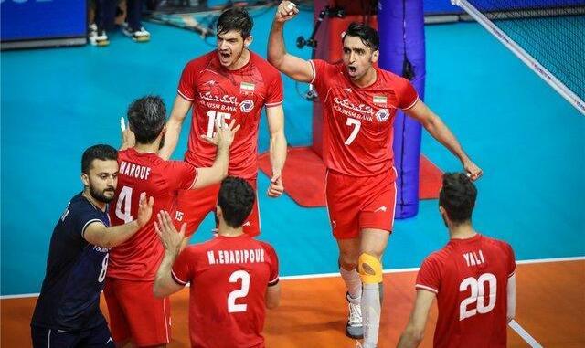 ایران به معطل شدن چهار ساعته تیم ملی والیبال در فرودگاه شیکاگو اعتراض کرد