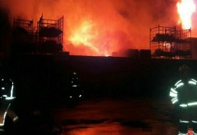 دو آتش سوزی گسترده در تهران: کارگاه تولیدی صنعتی در جاده مخصوص کرج و مرکز تجاری در میدان امام حسین + عکس